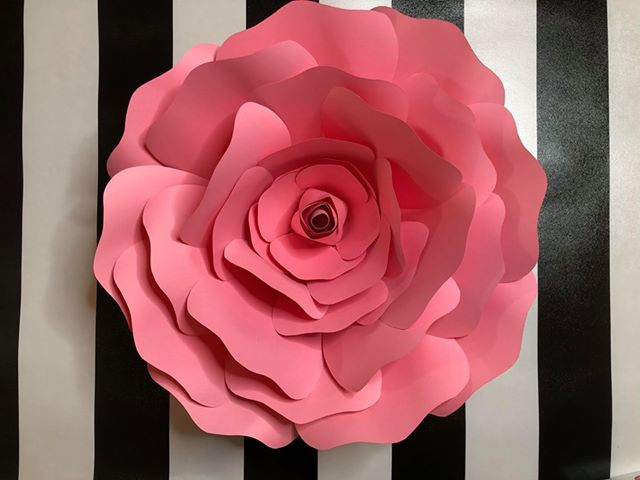 Large Paper Flower Class Hosted by Yvonne Tate